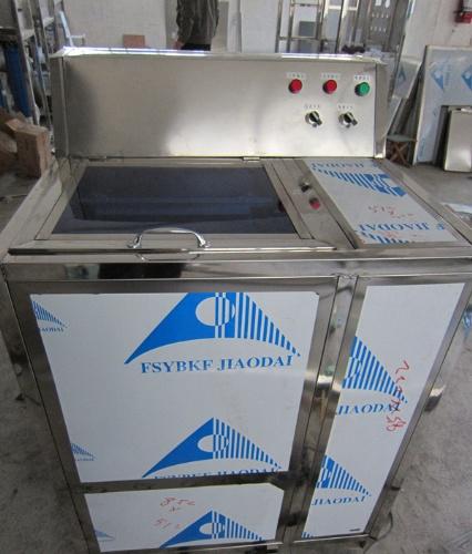 求购郑州桶装水洗桶机