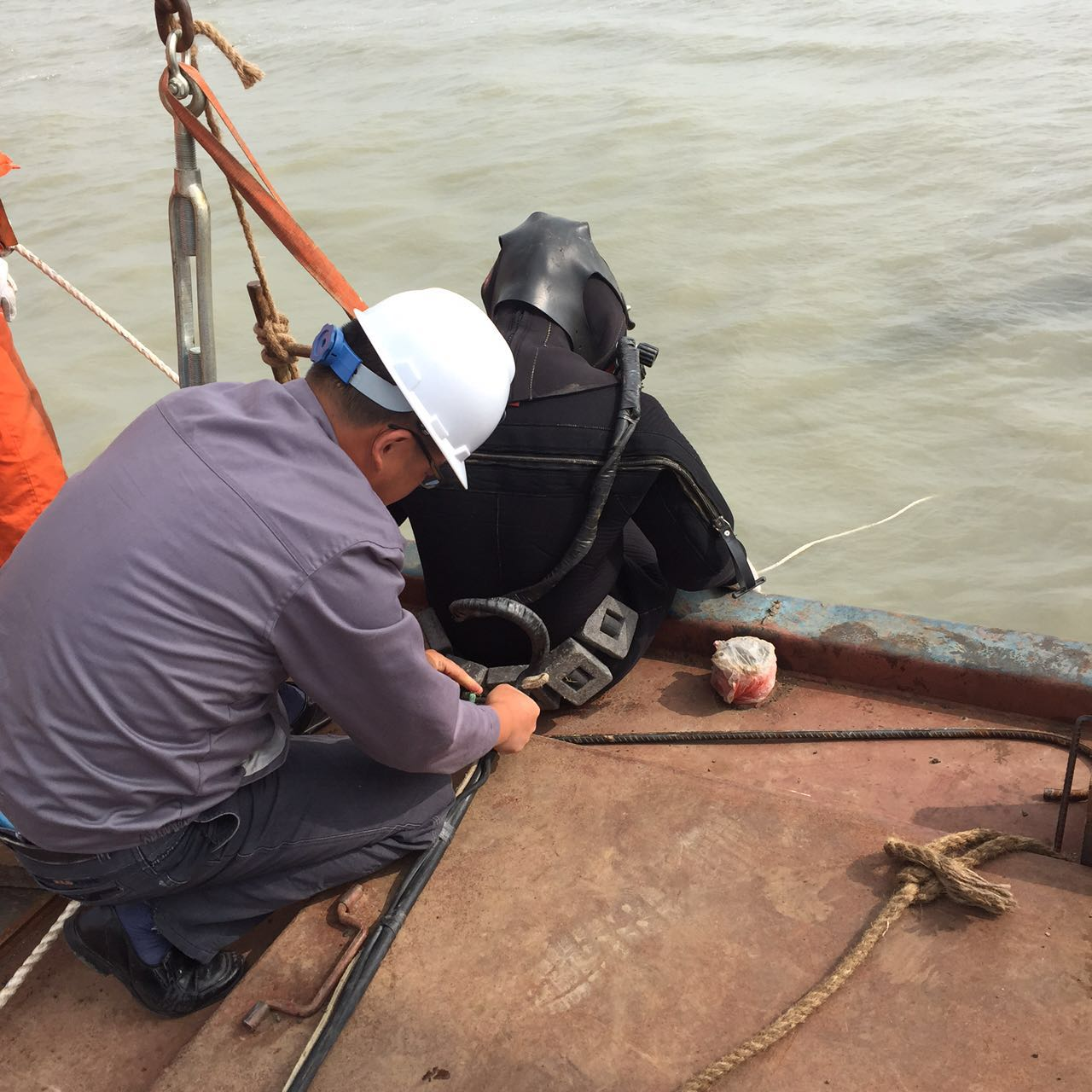 杭州水下安装