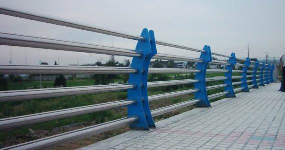 肇庆热镀锌波形护栏生产厂家