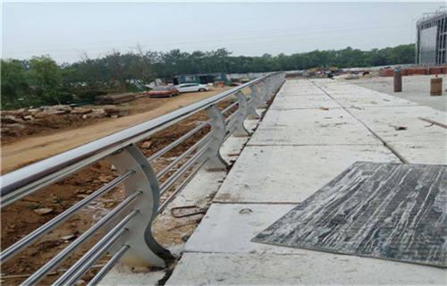 朔州不锈钢碳素钢复合管桥梁护栏-值得信赖