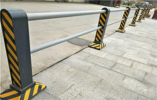 北京桥梁不锈钢防护栏杆多少钱一米