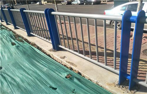 山西桥梁人行道护栏 栏杆样式设计图