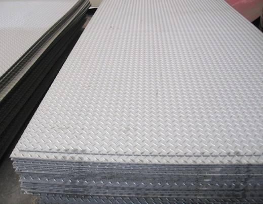 吉林304不锈钢花纹板、不锈钢扁豆型防滑板价格