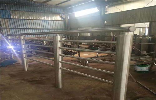 固原不锈钢复合管生产车间