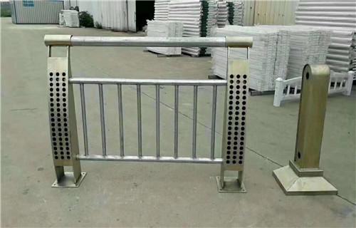 百色桥梁护栏立柱安装技巧