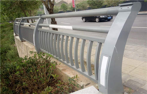 绵阳外复不锈钢复合管护栏生产厂家