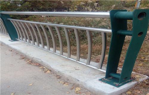 泉州310不锈钢护栏防撞栏杆美观