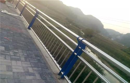 郴州Q235钢板立柱规格齐全