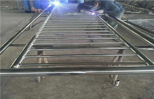 秦皇岛道路交通隔离护栏材质保证